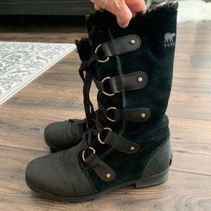 Sorel Emelie lace up black boots